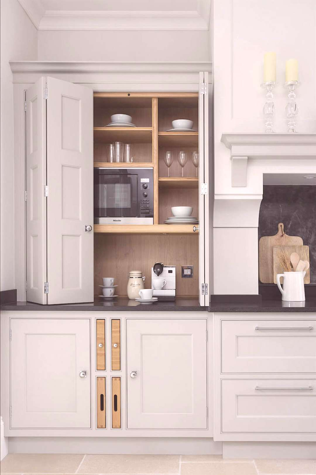 12 Farrow and Ball Kitchen Cabinet Colors For The Perfect English Kitchen - Blue kitchen cabinets -