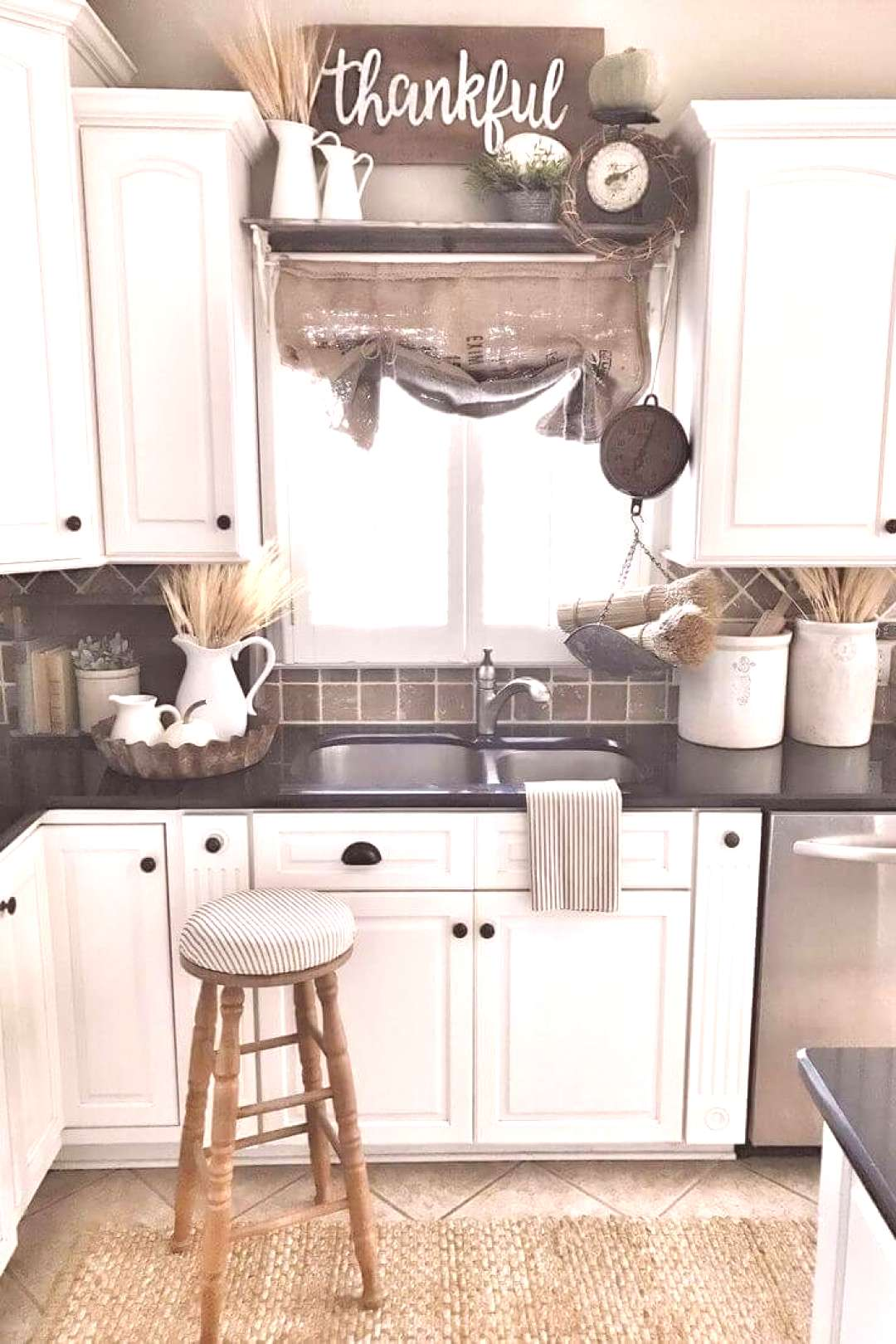 21+ Popular Farmhouse Kitchen Cabinets Decor And Design Ideas To Fuel Your Remodel 21+ Popular Farm