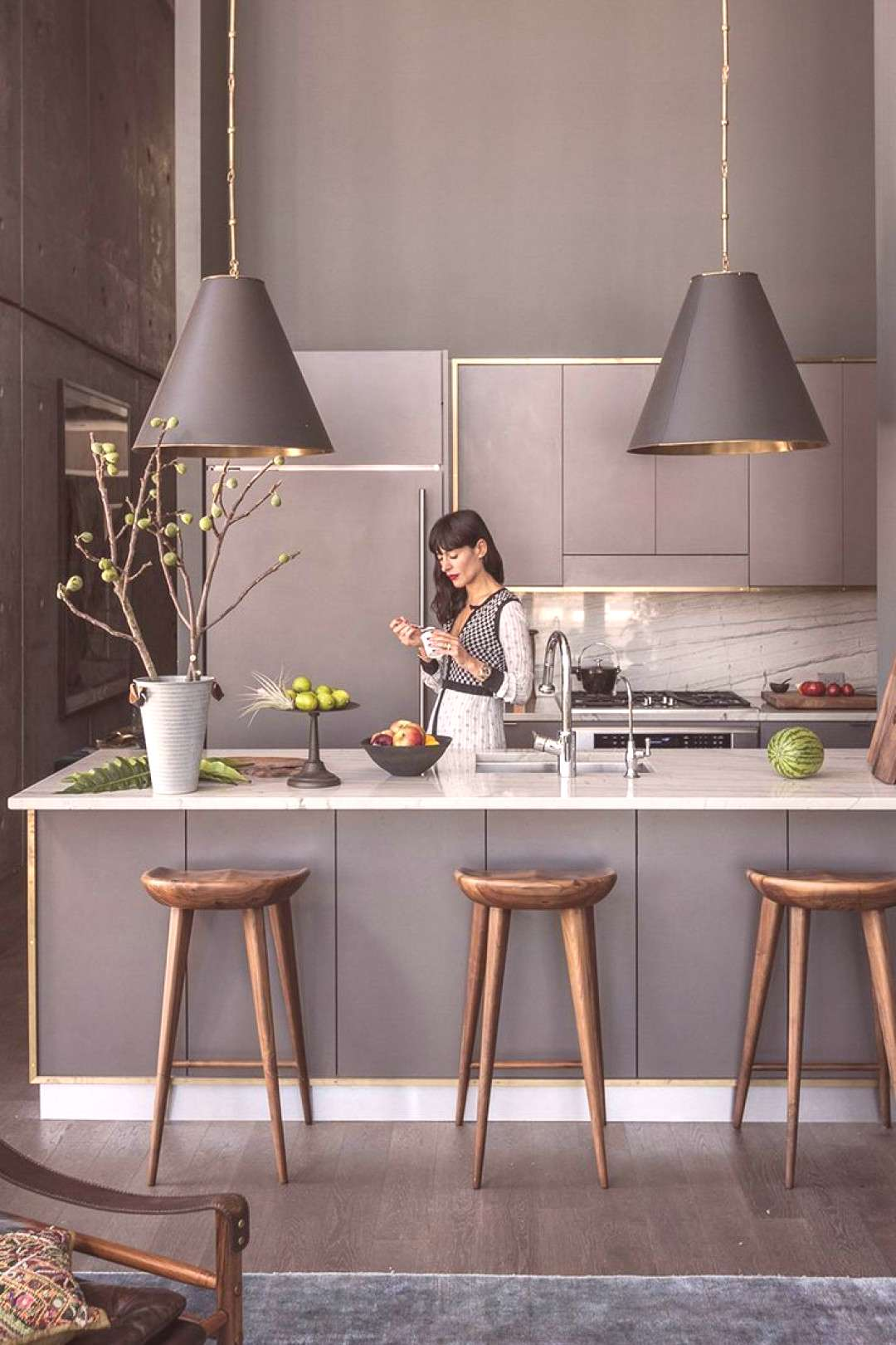 25+ Ways To Style Grey Kitchen Cabinets#cabinets