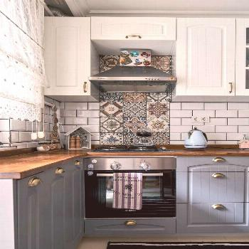 Gray and white cabinets on wooden bench. Rustic kitchen of the marine lady. - -  Gray and white cab