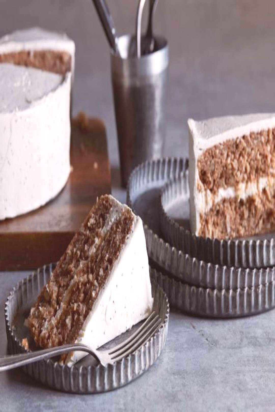 6 Boldly Beautiful Beer Cakes - -