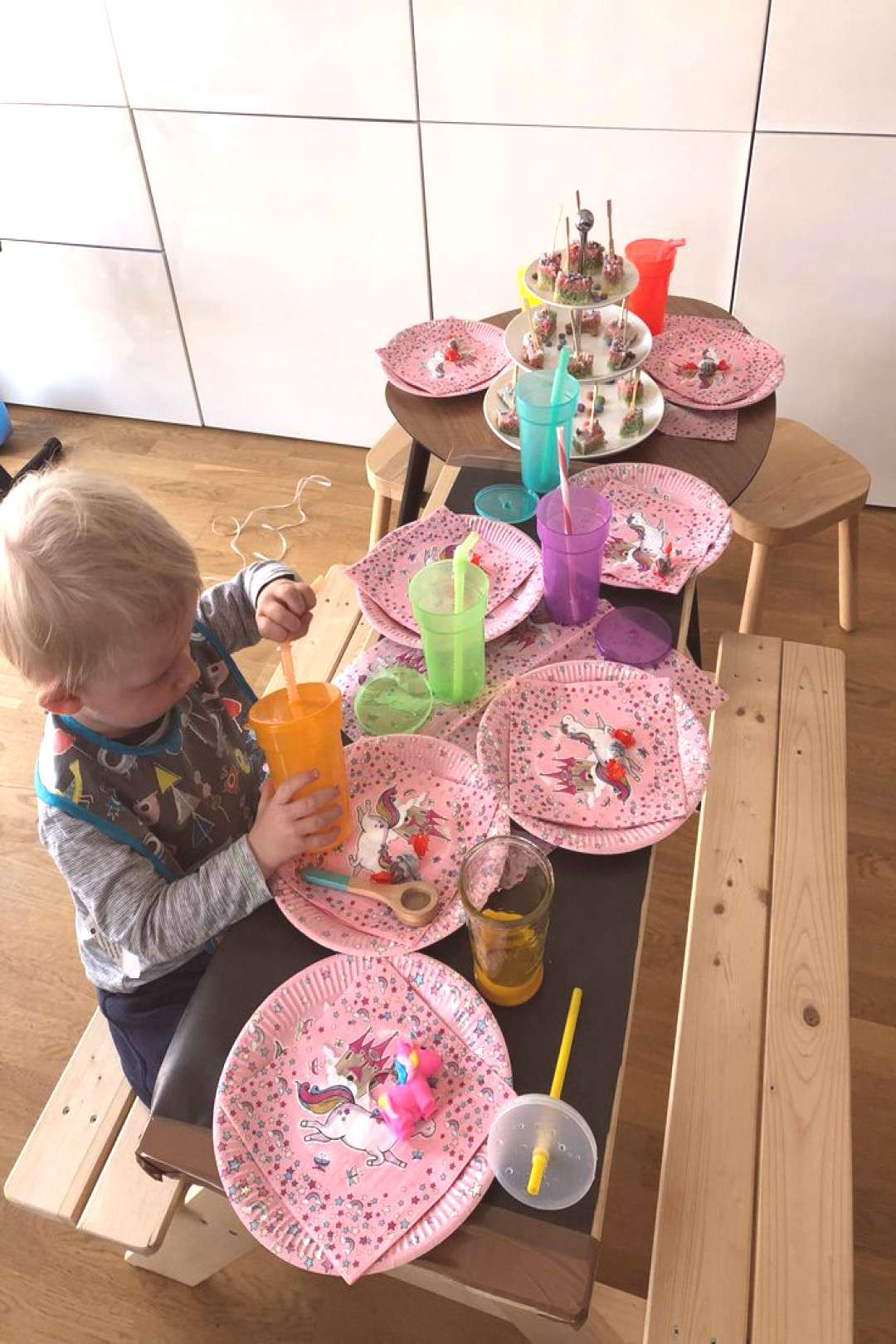 How to Birthday party for unicorn and fairy children - decorations, gifts and cake ... How to Bir
