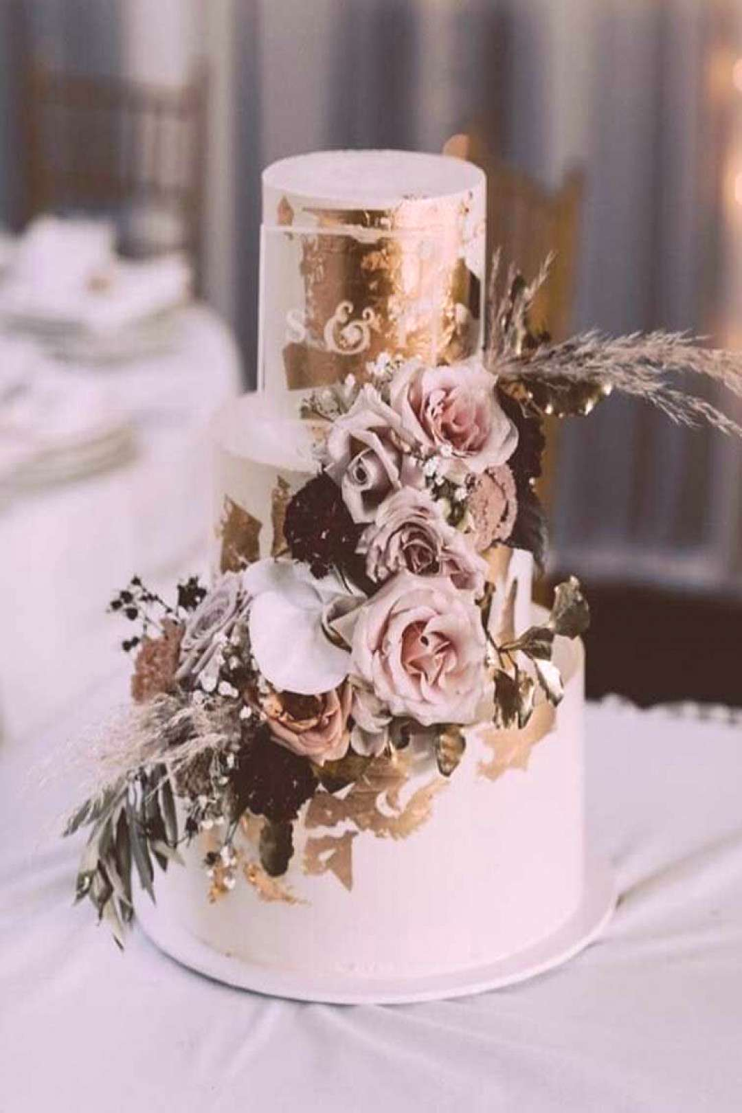 wedding cakes black Need some inspiration for yourcakedesignCheck out our bestwedding cakeideas to